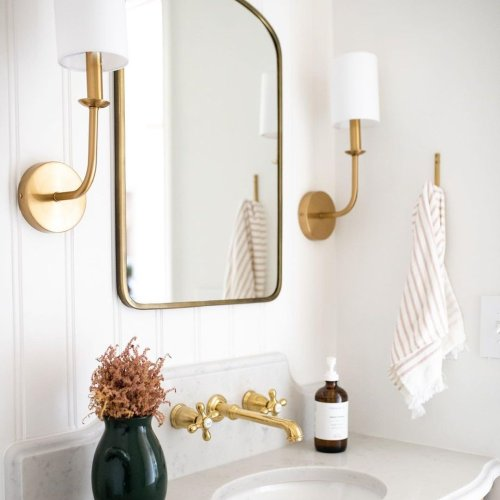 These 7 Beadboard Bathroom Ideas Bring New Life to the Timeless Trend