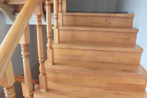 Die Treppe wohnlicher gestalten – Tipps von einer Interior Designerin