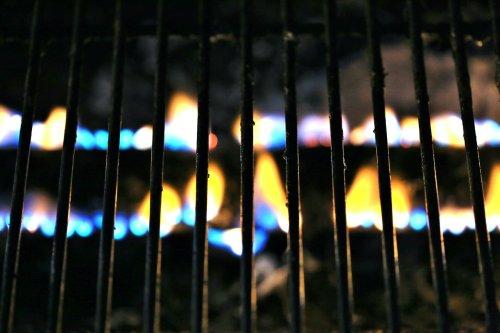 Ändert sich beim Gasgrill die Flamme, kann es gefährlich werden