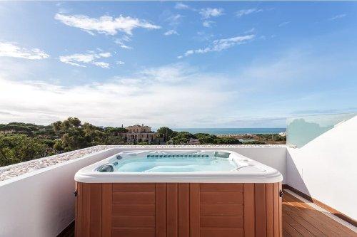 Vasche idromassaggio da esterno: guida ai modelli di lusso