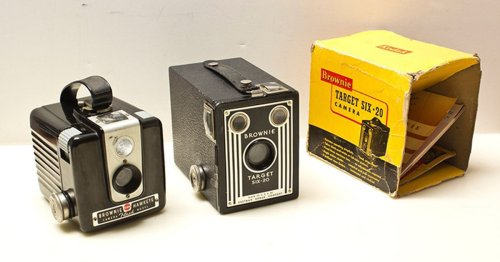 Learn How the Affordable Kodak Brownie Camera Made Photography Accessible
