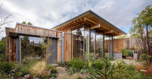Architects Design a 'City Cabin' That Is a Tranquil Nature Getaway in the Heart of Seattle