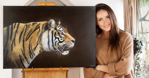 Artist Raises Awareness for Wildlife Conservation With Her Awe-Inspiring Animal Paintings