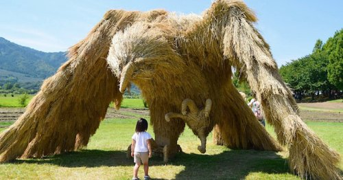 Colossal Creatures Made From Rice Straw Invade a Park in Japan