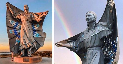 Beautiful 50-Foot-Tall Sculpture Pays Tribute to Native American Women in South Dakota