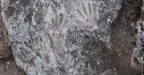 Archeologists Discover Children's Handprints in Cave From 200,000 Years Ago