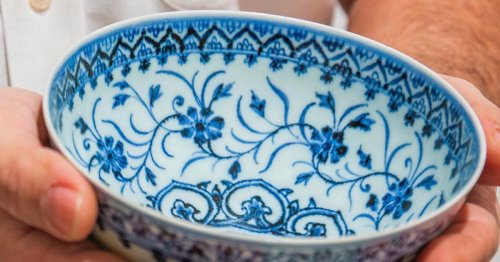 $35 Bowl Bought in Yard Sale Turns Out To Be Rare Ming Dynasty Artifact Worth $500,000