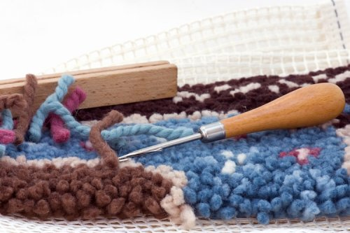 10+ Latch Hook Kits That Include Everything You Need For the Craft