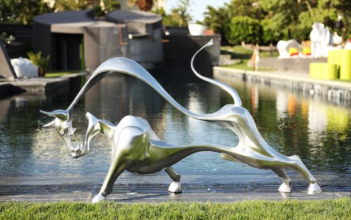 Interview: Animal's Inner Power Shines Through Sculptures by Amir Yacoub