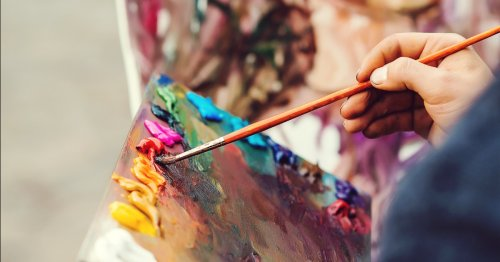 25 Acrylic Painting Ideas That Celebrate the Versatility of This Popular Artist Tool