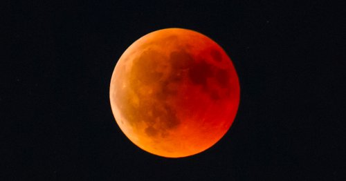 This Year's Largest Super Blood Moon Will Soon Be Visible Across North America and Australasia