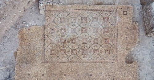 Une Mosaïque Géométrique Datant d'il y a 1600 ans Découverte en Israël