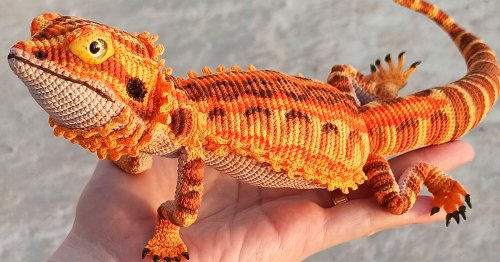 Artist Releases DIY Crochet Pattern for a Very Realistic Bearded Dragon