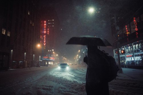 Photographer Wanders NYC Streets To Reveal Neo-Noir Stories Hiding in Plain Sight