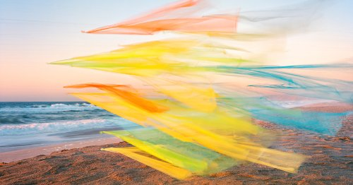 Artist Collaborates With the Wind Bringing Colorful Fabrics To Life in Dreamy Photos