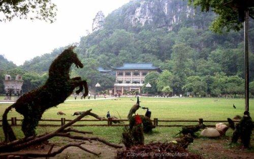 A city walk in Guilin – 2004