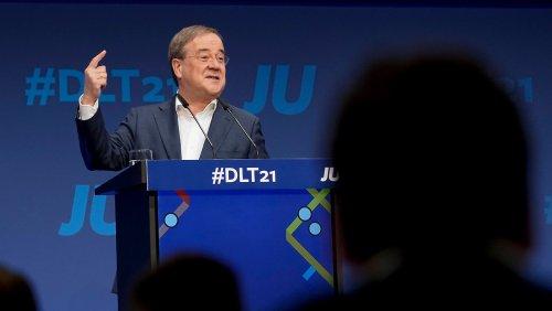 """""""Fassungslos"""": Laschet kritisiert Ampel vor Regierungsbildung"""