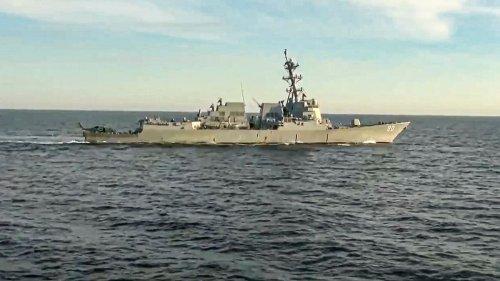 Russische Marine vertreibt US-Kriegsschiff