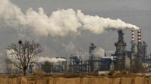 Peking dreht eigener Industrie den Strom ab