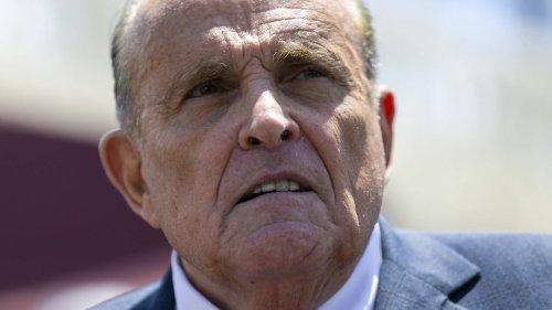 "Giuliani ""fast pleite"", Trump hilft nicht"