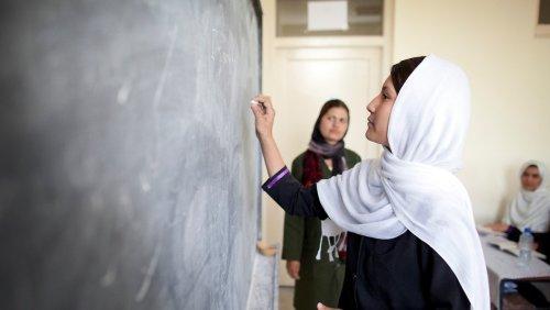 Taliban wollen Mädchenschulen wieder öffnen