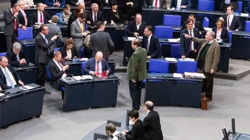 Linke stützt FDP bei Sitztausch im Bundestag