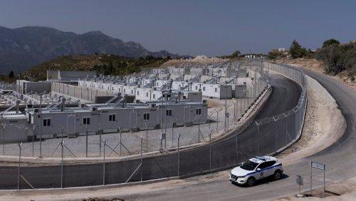 Neues Flüchtlingscamp auf Samos eröffnet