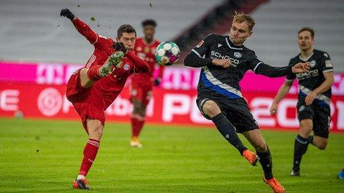 Bayern entkommen Riesenschmach dank VAR