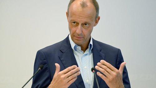 Merz bringt sich für CDU-Vorsitz in Stellung