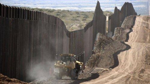 Gouverneur will Trumps Mauer weiterbauen