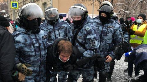 Polizei nimmt Nawalny-Helfer fest