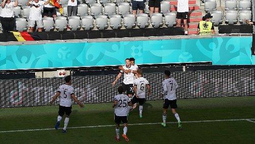 2:1 - Eigentor-Wahnsinn, Deutschland dreht das Spiel