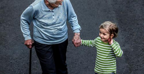 Studie: Corona drückt Lebenserwartung ähnlich wie Zweiter Weltkrieg