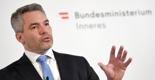 """Nehammer kritisiert rechtsextremen """"Spaziergang"""" an Burgenland-Grenze"""