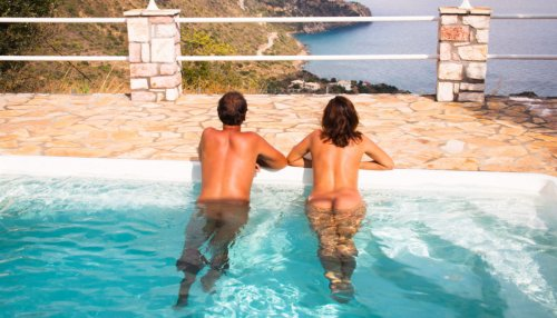 8 Perfect Naturist Resorts for First-Time Naturists - Naked Wanderings