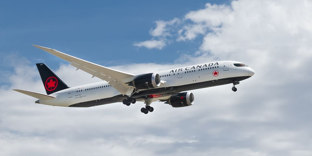 Air Canada Is Offering Free Insurance If You Get COVID-19 While Travelling Internationally