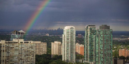 Toronto's About To Get Ridiculously Hot & Muggy Weather For A Week Straight