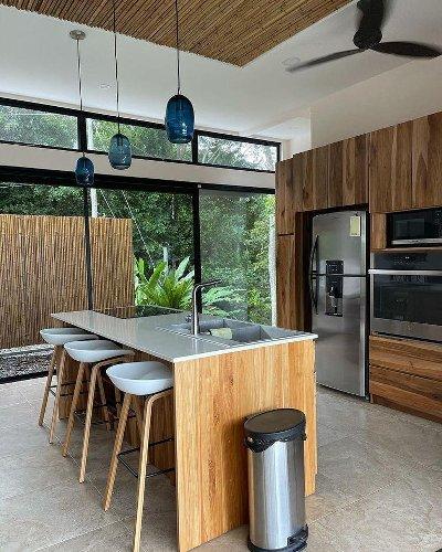 Élisabeth Rioux présente la maison de ses rêves au Costa Rica