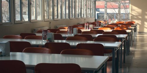 Toronto Schools Are Reportedly Telling Kids Not To Speak At Lunch For COVID-19 Prevention