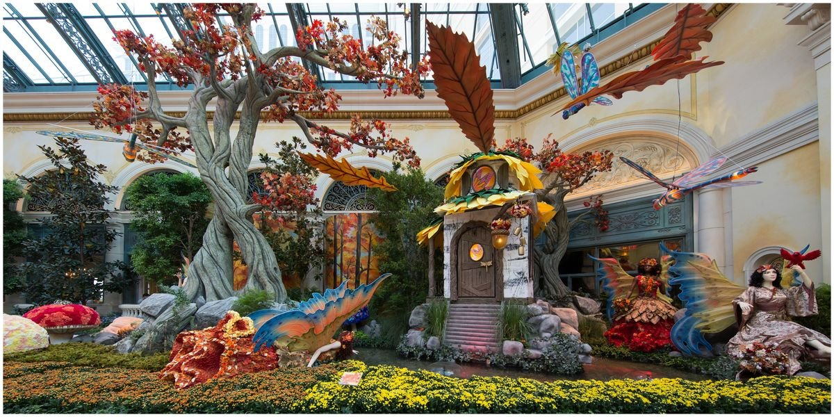 Las Vegas' Bellagio Conservatory & Gardens Turned Into An Enchanted Fall Forest (VIDEO)
