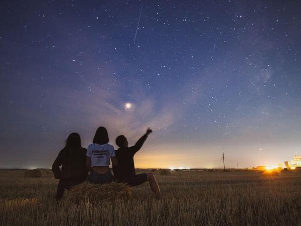 Une pluie d'étoiles filantes va s'abattre sur le Québec ce mois-ci et ça s'annonce magique