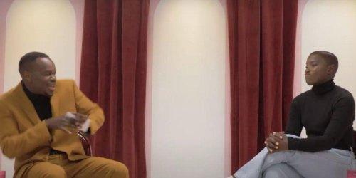 Sarahmée « vit des malaises » à cette émission humoristique et c'est hilarant