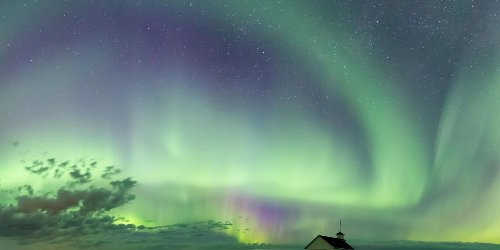 Here's How To Get The Best View If You Want To See The Northern Lights In Canada Tonight