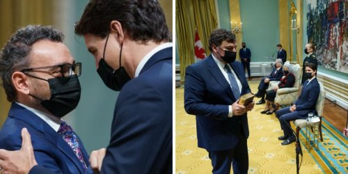Canada's New Cabinet Has Been Sworn In & The Group Pic Was As Awkward As Expected (PHOTO)