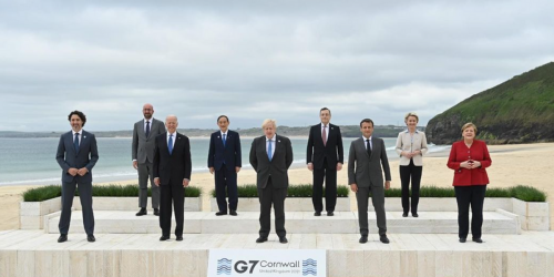 This Awkward-AF Photo Of The G7 Leaders Went Viral For All The Wrong Reasons