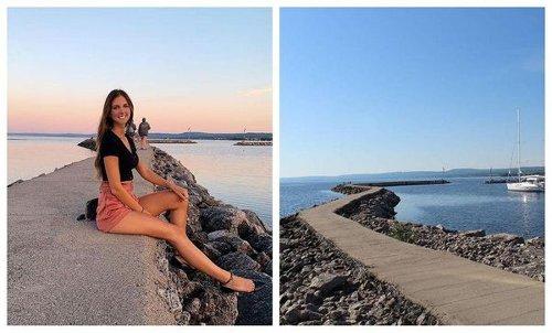 Tu peux te balader sur le lac Saint-Jean à cette marina au Saguenay