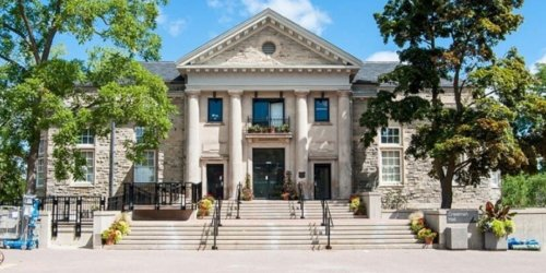 University Of Guelph Students Have Reported Spiked Drinks & Police Are Investigating