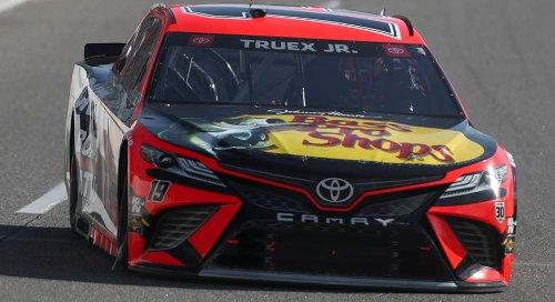 Martin Truex Jr. rallies past Hamlin for Martinsville victory | NASCAR