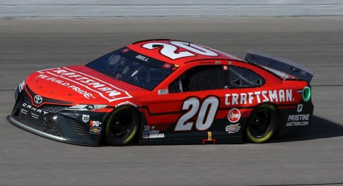 Two crew chiefs suspended, multiple teams fined post-Kansas | NASCAR