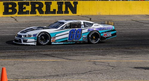 Nate Walton and family having fun defending Berlin Raceway title | NASCAR